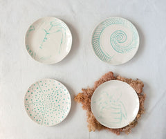 Round Stoneware Plate with Sea Creature - 4 Styles