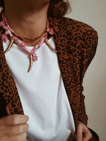 Collier Goa, Rose