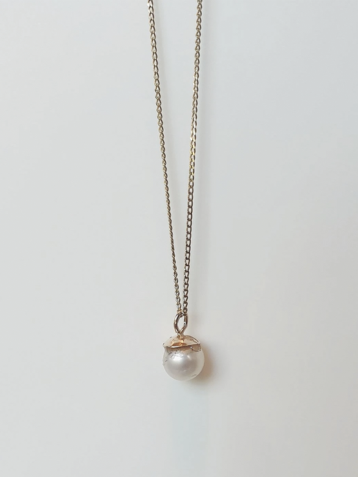 Mini Pearl Necklace in 9ct Gold