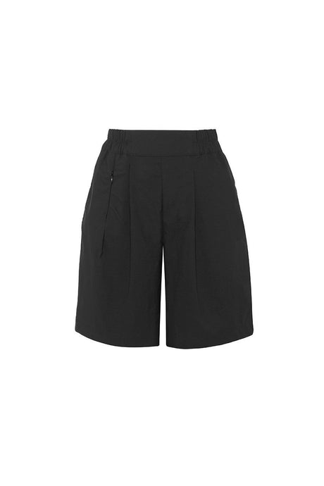 Asmuss Pleated shorts in black made from sustainable technical fabric for travel and adventures