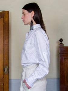 Filanda n.18 White Shirt with latches on sleeves. Designed and manufactured in Italy at family-size manufacturer. Cotton handpicked from Italian textile mills dead-stock fabrics