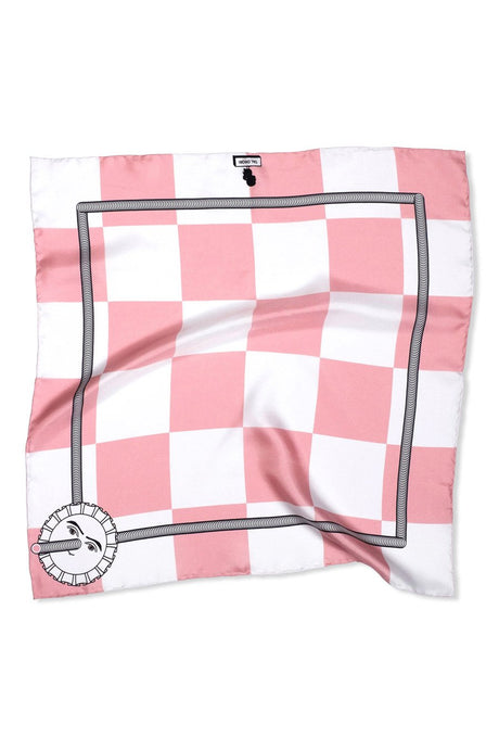 Checkered pink & white pocket square. Printed on 100% silk and finished with a hand-rolled hem. Made in the UK 70 cm x 70 cm Hand-rolled hem 100% Silk Twill Made in the UK Dry cleaning