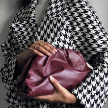 Load image into Gallery viewer, BOTTEGA VENETA The Large Pouch Leather Clutch
