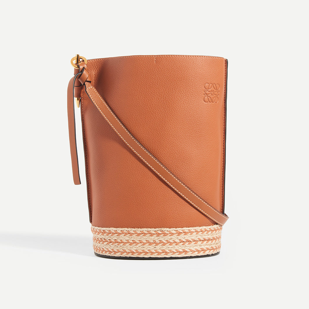 LOEWE X Paula's Ibiza Gate Bucket bag in Tan - Front View