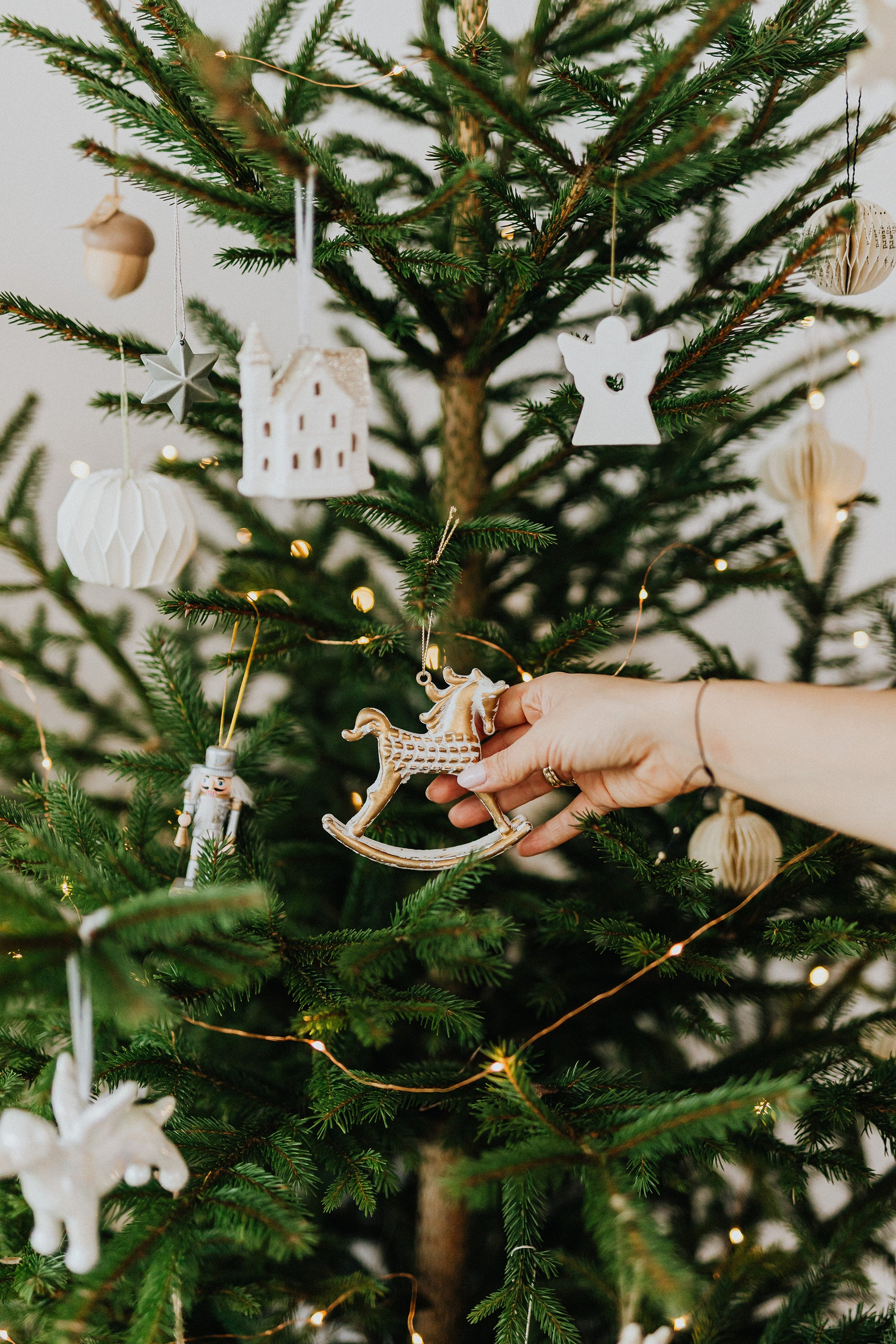 Safari Journal / Blog by Safari Fusion | Christmas prettiness | Decorating the Christmas tree
