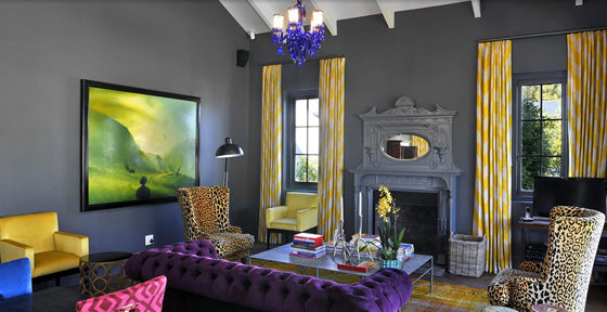 Colour pop | Dramatic and moody in the La Galerie Villa at the wine estate of La Cle des Montagnes, Franschhoek South Africa