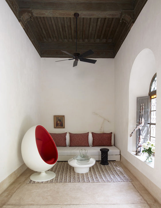 Safari Journal / Blog by Safari Fusion | Colour crush / red | Red egg chair, Riad Mena Marrakech, Morocco