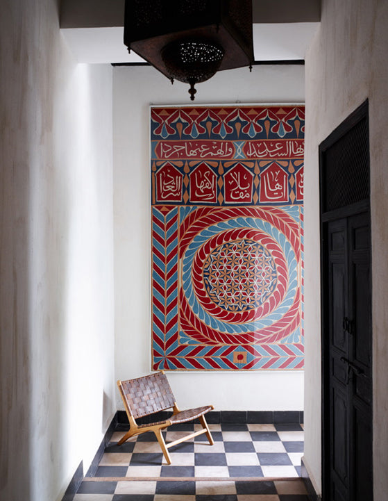 Safari Journal / Blog by Safari Fusion | Colour crush / red | Hallway artwork, Riad Mena Marrakech, Morocco