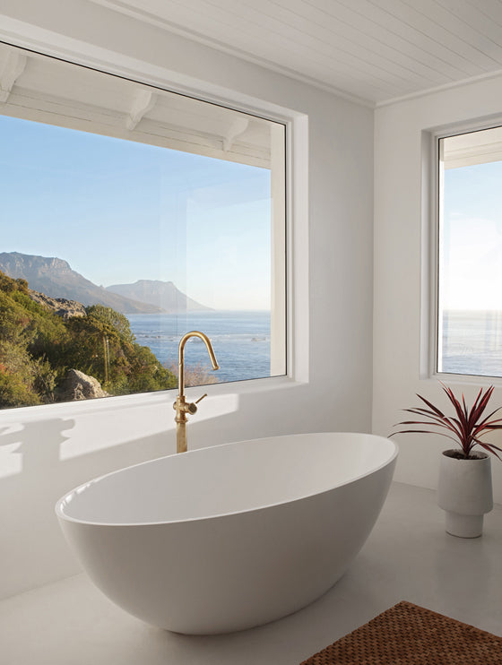 Safari Journal / Blog by Safari Fusion | Summer sea views | A bath with water views at Icaria / Bantry Bay, South Africa