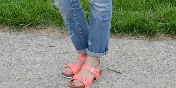 How to Style Comfortable Sandals for Spring