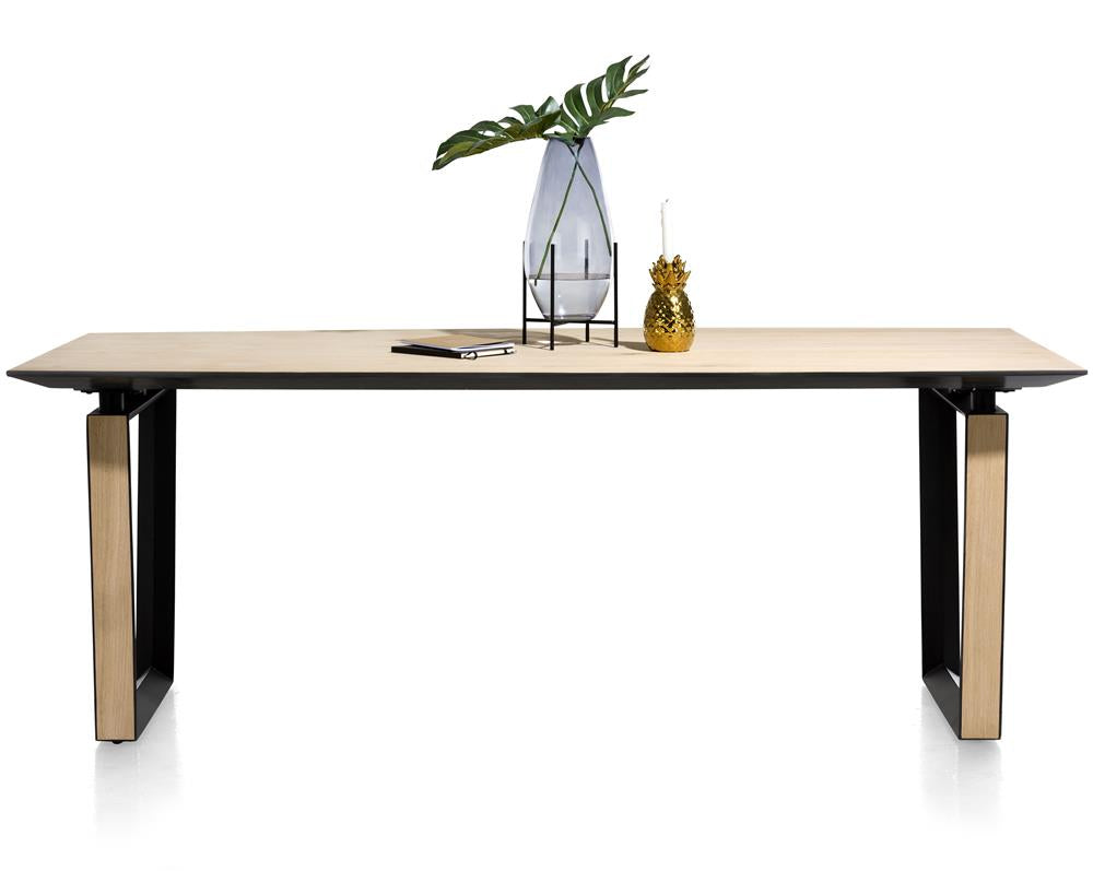 Habufa Darwin Dining Tables