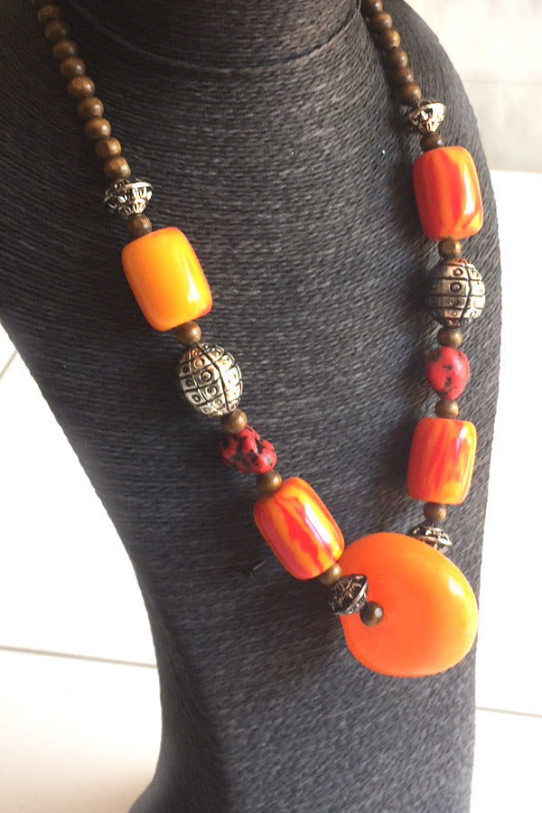 Collier ethnique orange