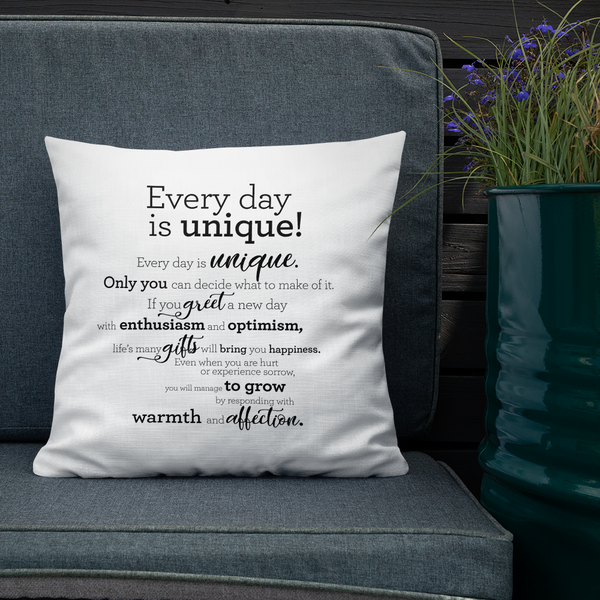 Every day is unique - Pillow / Hver dagur er einstakur - Púði