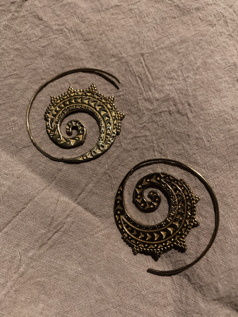 Sila Coil Earrings