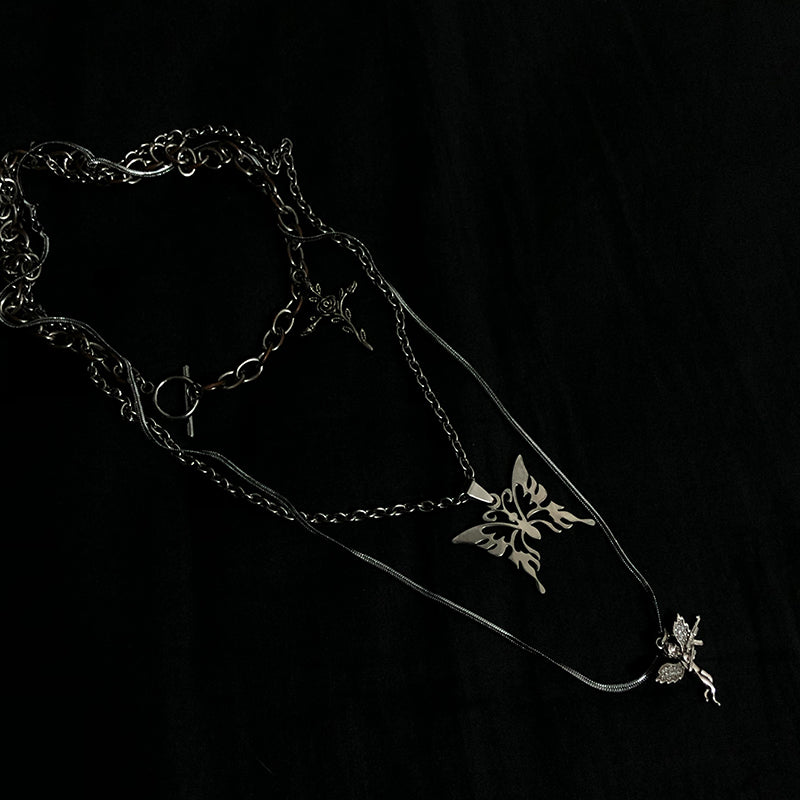 """BUTTERFLY BUTTERFLY"" NECKLACE W112007"