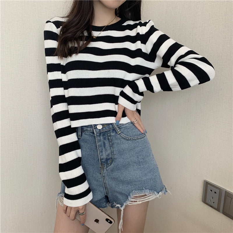 """CONTRAST STRIPED LONG SLEEVE"" CROP TOP N091604"
