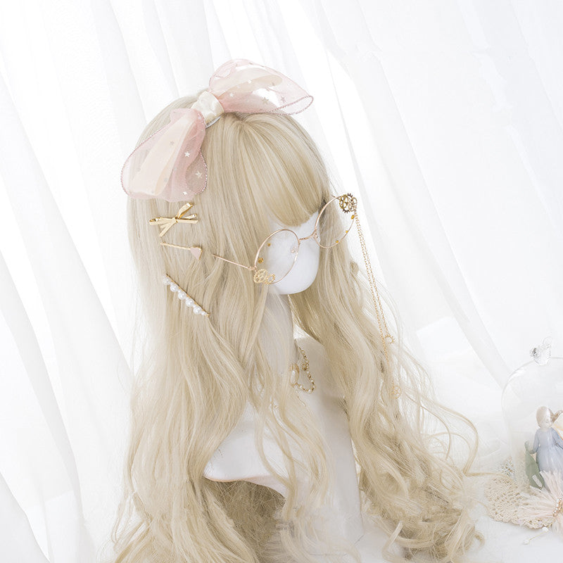 """GOLDEN WAVY CURLY LONG"" WIG D051803"