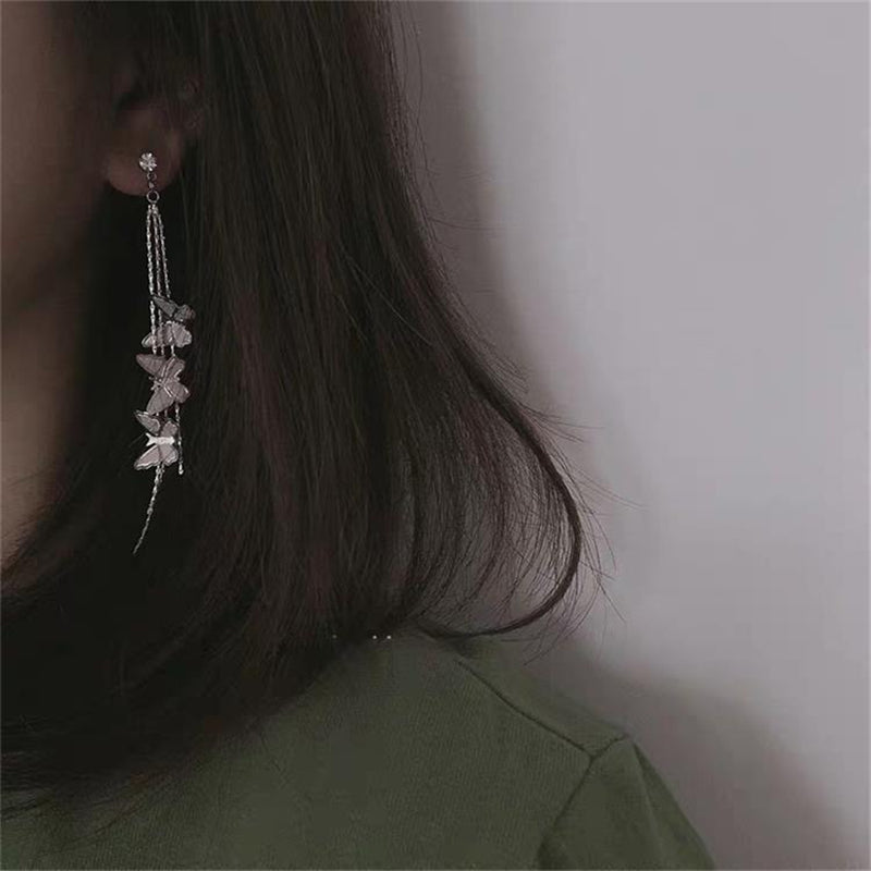 """KFASHION BUTTERFLY TASSEL"" EARRINGS D052503"