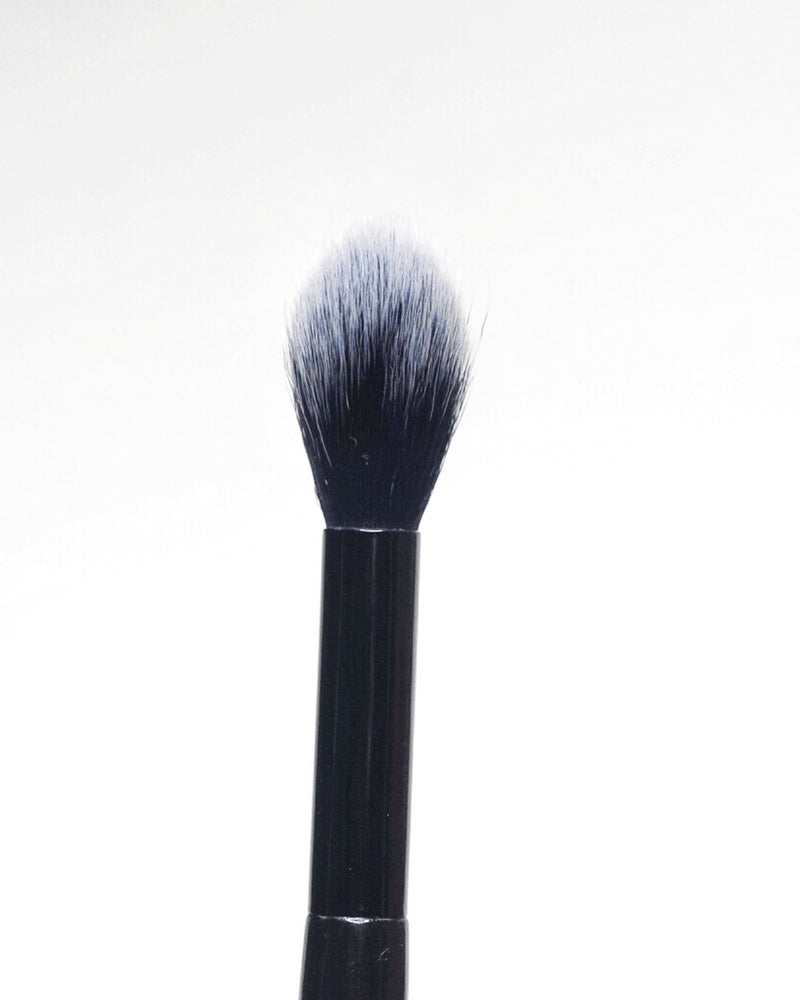 TAPERED HIGHLIGHT BRUSH