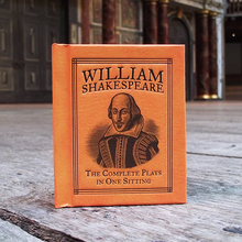 William Shakespeare. The Complete Play In One Sitting. Mini hardback book.