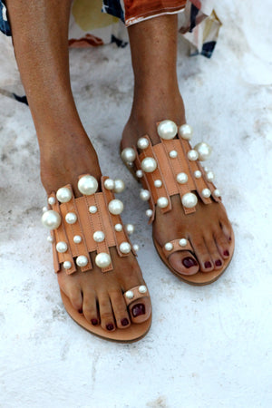 GRACE KELLY BEIGE  PEARL SANDALS