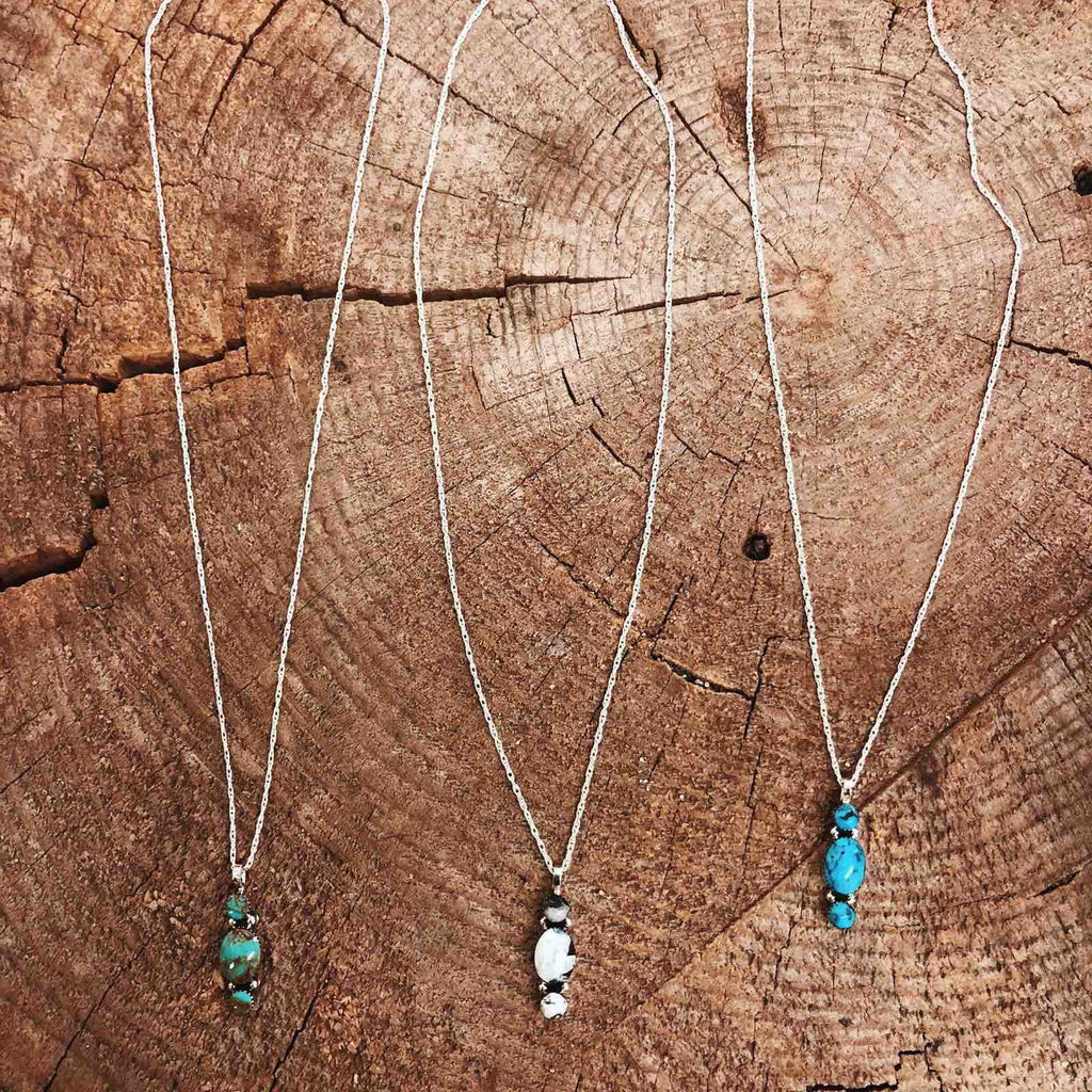 *3 Stone Vertical Necklace