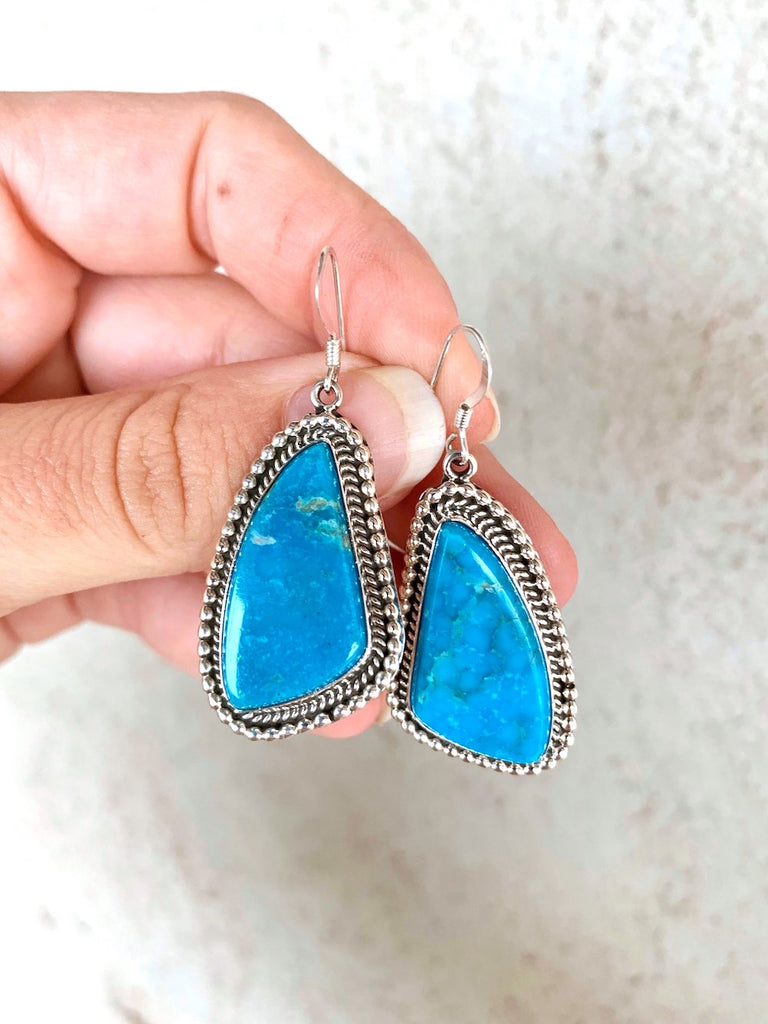 *RTS Stunning Blue Turquoise Earrings