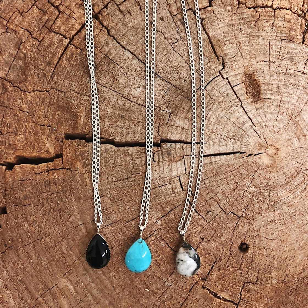 *Teardrop Pendant Necklace