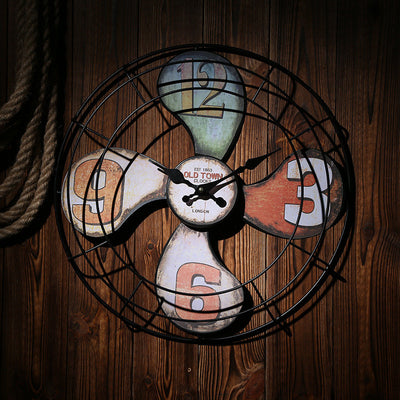 Wall Clock Retro style Design