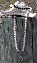 Load image into Gallery viewer, Precious Heart Traditional Mala