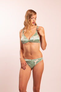 Silk lingerie set: Dione bra and Dione panties. Choose from 4 different colors.