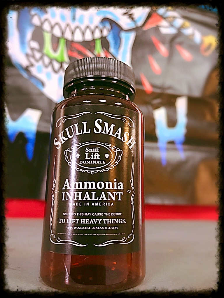 Skull Smash Ammonia 2oz Bottle