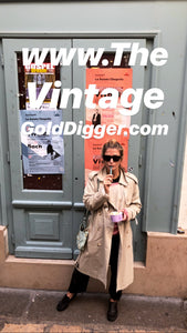THE VINTAGE GOLD DIGGER