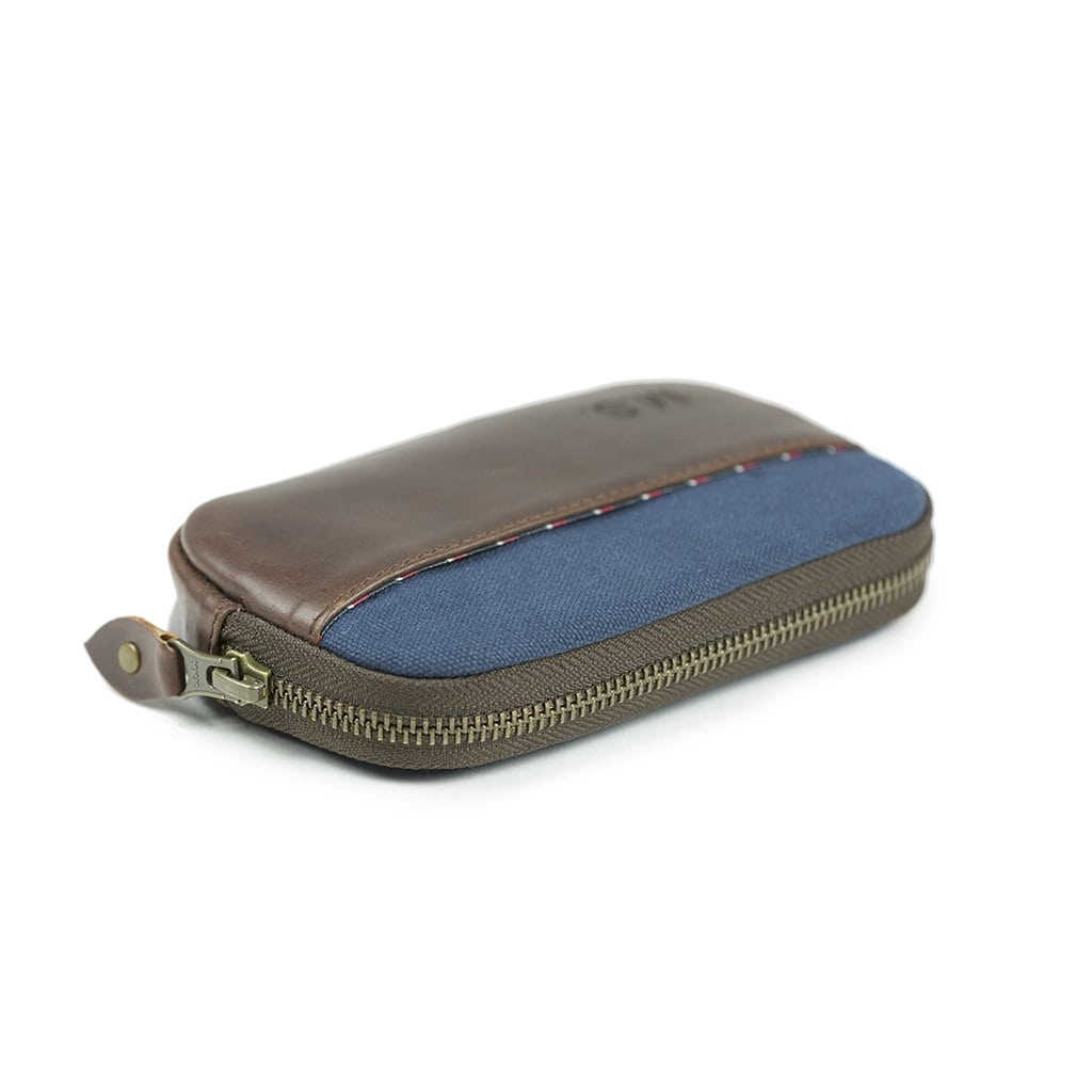 Zip Wallet Karbon - Buckle and Seam