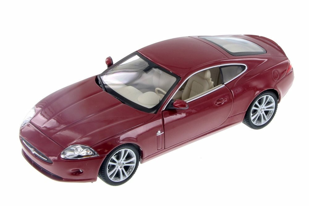 Jaguar XK Red 1/24 Scale Diecast Model Car - Welly - 22470