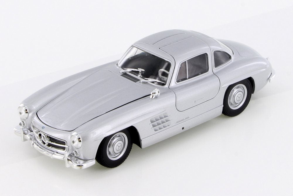 Mercedes-Benz 300SIL Silver 1:24 Diecast Model Car - Welly - 24064SIL