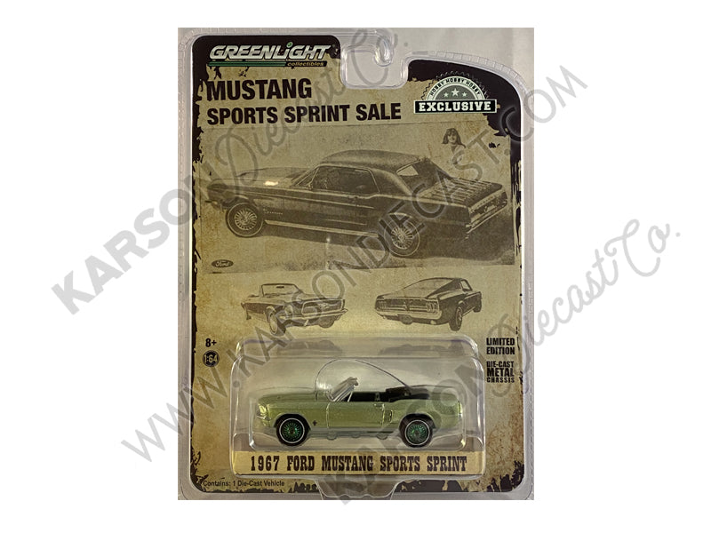 "CHASE 1967 Ford Mustang Sports Sprint Convertible Lime Gold Metallic ""Hobby Exclusive"" 1:64 Diecast Model Car - Greenlight - 30215"
