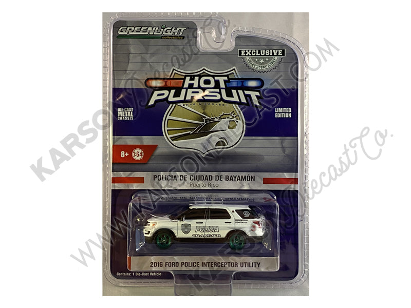 "CHASE 2016 Ford Police Interceptor Utility White ""Policia Transito"" Bayamon City Police Department (Puerto Rico) ""Hot Pursuit"" Series 1:64 Diecast Model Car - Greenlight - 30210"