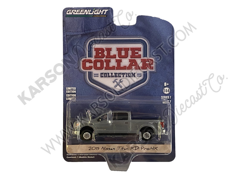 "CHASE 2019 Nissan Titan XD Pro-4X Pickup Truck Pearl White ""Blue Collar Collection"" Series 7 Diecast 1:64 Model Car - Greenlight - 35160F"