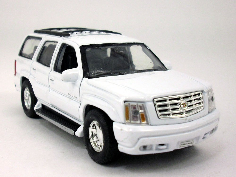 "2002 Cadillac Escalade White SUV 4.5"" Diecast Model Pull Back - Welly - 42315WH"