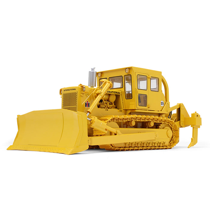 International Harvester TD-25 Bulldozer w/ Enclosed Cab & Ripper 1/25 Scale Diecast - First Gear - 49-0397