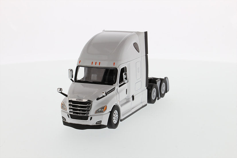 Freightliner Cascadia, Pearl White 1:50 Scale Diecast Model Semi Truck - Diecast Masters - 71027