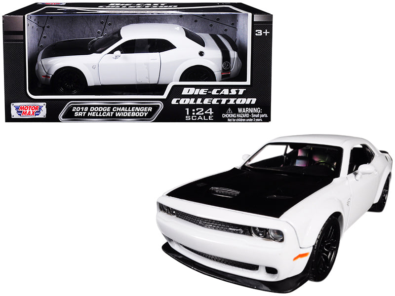 2018 Dodge Challenger SRT Hellcat Widebody White 1:24 Model Car - Motormax - 79350WH