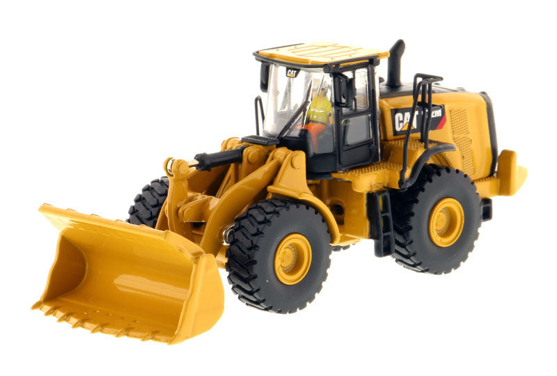 Caterpillar CAT 972M Wheel Loader 1:87 HO Scale Model - Diecast Masters - 85949