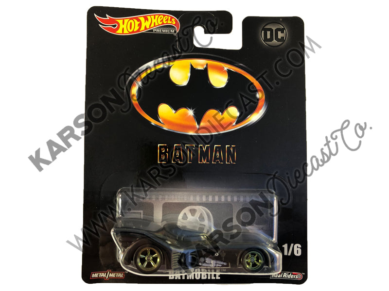 Batmobile Retro Entertainment - DC Cinematic Vehicle Assortment 1:64 Scale Diecast - Hotwheels - DMC55-956L