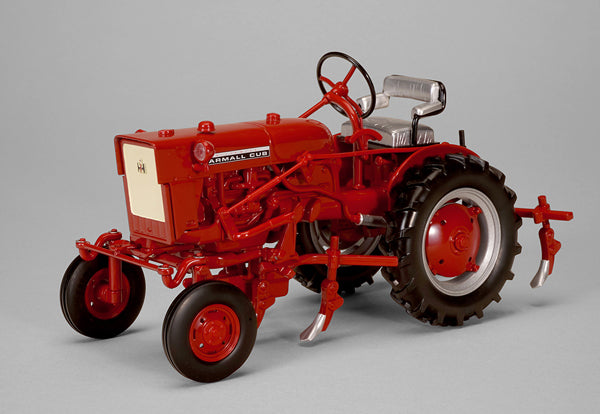 Farmall Cub with Cultivator 1:16 Scale Diecast Model - SpecCast - ZJD1816
