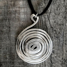 Load image into Gallery viewer, Thick Spiral Pendant