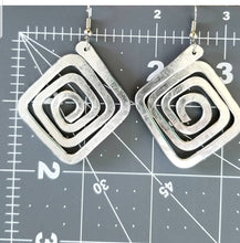 Load image into Gallery viewer, Square Earrings