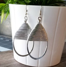 Load image into Gallery viewer, Big Gotal Earrings