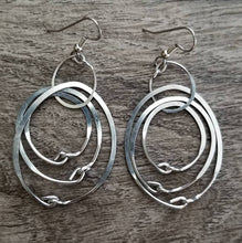 Load image into Gallery viewer, Simple Hoops Earrings